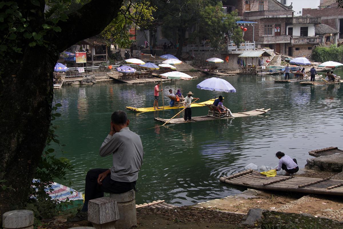 bamboo-rafting-on-yulong-river-2