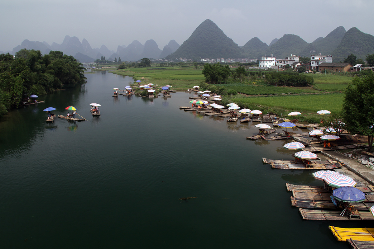 bamboo-rafting-on-yulong-river-3