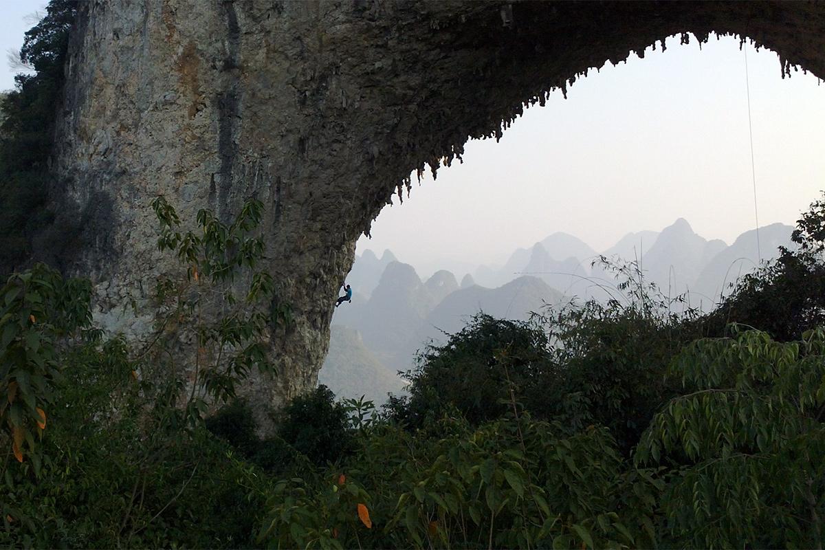 rock-climbing-in-yangshuo
