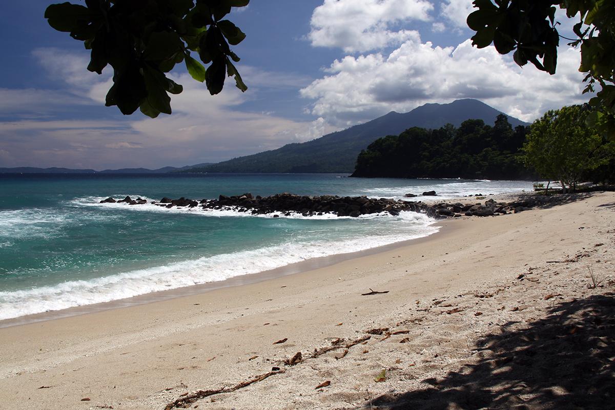 white-sand-beach-sulawesi-1