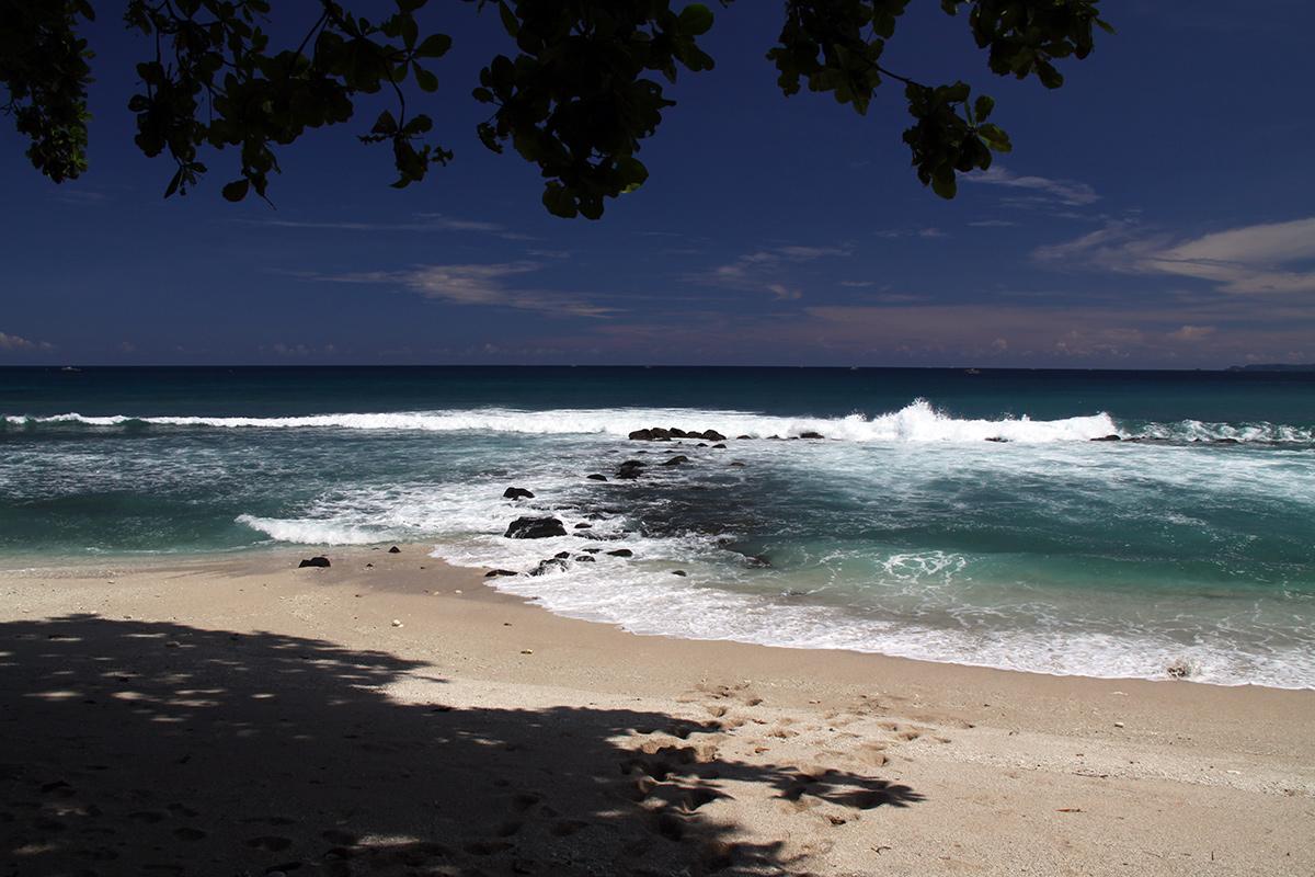 white-sand-beach-sulawesi-2