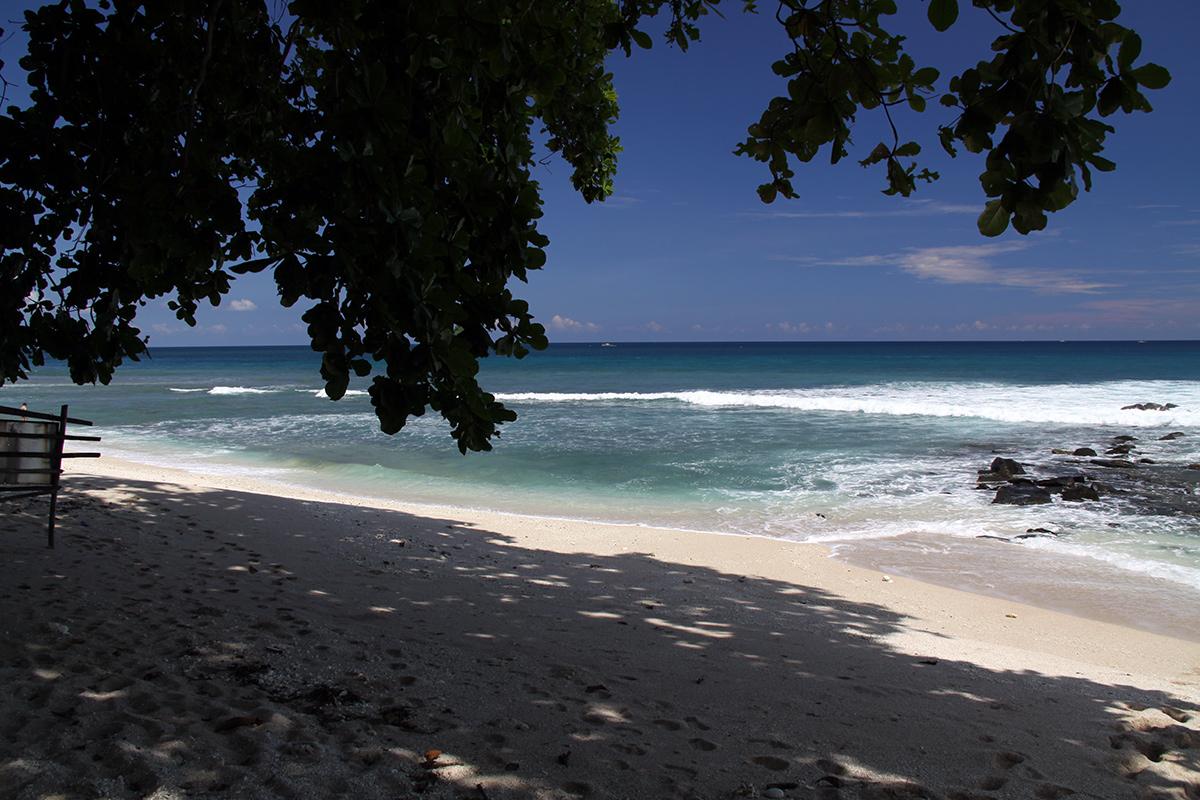 white-sand-beach-sulawesi-3